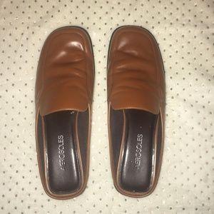 Women's Aerosole Tan Leather Slides Size 8